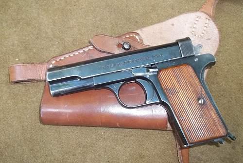 Hungarian military femaru 29m pistol