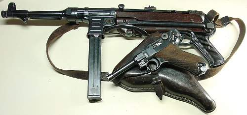 Click image for larger version.  Name:1936 dated P.08 holster with pistol and MP40..JPG Views:5254 Size:233.0 KB ID:84565