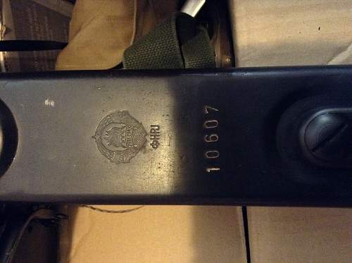 Trying to ID crest on my MG42 top cover