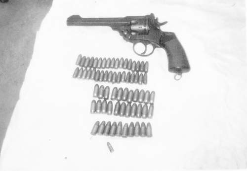 Click image for larger version.  Name:IWebley pistol IMG_036.jpg Views:48 Size:69.4 KB ID:859506