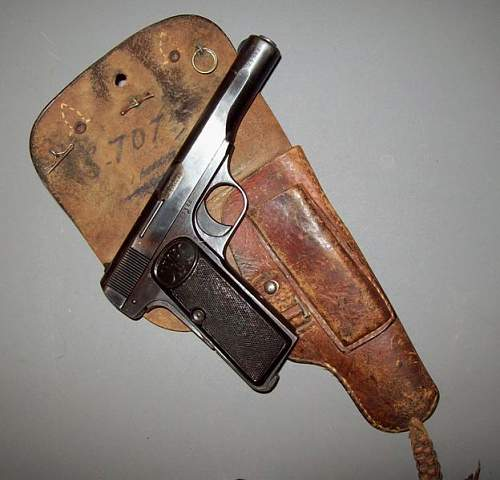 WaA 140 - Browning 1922 Pistol and Holster