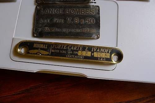 WWI WWII? CHARGEUR TYPE V 4x10 & LANCE BOMBES TYPE V 8X58