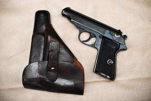Click image for larger version.  Name:pp and holster.jpg Views:3206 Size:43.9 KB ID:89101