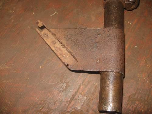 An unusual sight for signail pistol (Austrohungarian)