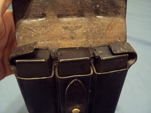 SS leather mp40 pouch, and 3 mags info needed..