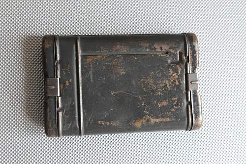 Click image for larger version.  Name:K-98 Rifle Cleaning Kit in Storage tin Box back.jpg Views:7 Size:245.7 KB ID:942450