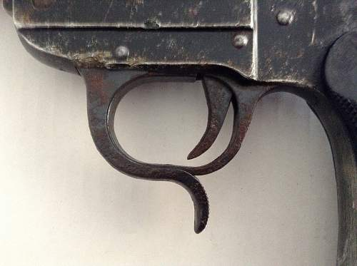 Leuchtpistole 34 relic from Crete
