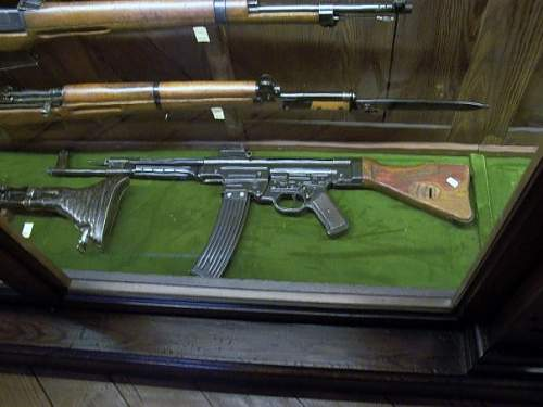 Click image for larger version.  Name:stg44.jpg Views:221 Size:48.6 KB ID:97404