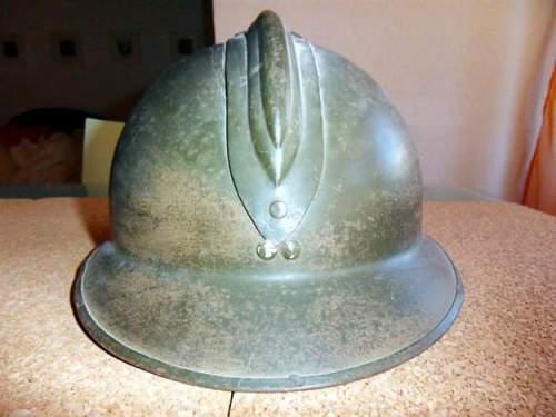 Click image for larger version.  Name:1278921850_104732416_3-Capacete-frances-da-2-Guerra-Mundial-Arte-Coleccoes-Antiguidades-Velharia.jpg Views:583 Size:38.1 KB ID:121761