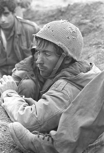 Click image for larger version.  Name:Yom-Kippur-War-003.jpg Views:1123 Size:41.7 KB ID:180036