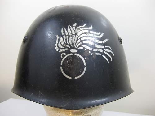 Help with a WW2 Italian helmet please??