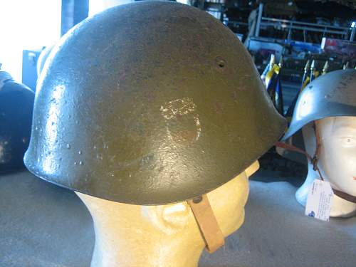 Click image for larger version.  Name:Italian WWII Helmet (5).jpg Views:159 Size:137.2 KB ID:252198