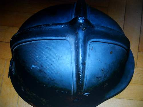 Click image for larger version.  Name:hungarian helmet 003.jpg Views:71 Size:52.0 KB ID:322611