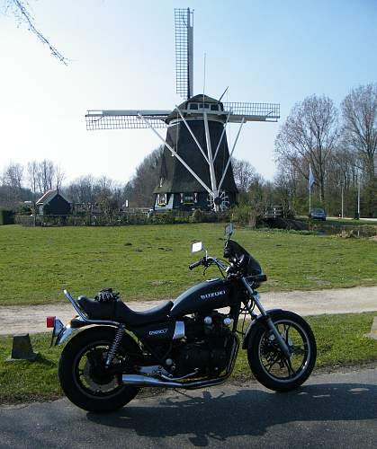 Click image for larger version.  Name:Bike by the Amstel.jpg Views:53 Size:203.9 KB ID:407492