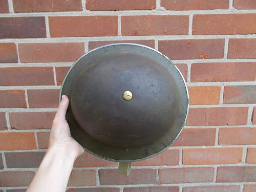 Info on WW2 Brodie helmet wanted