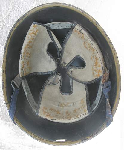 Dutch Civil Defence helmet