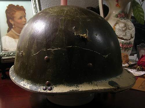 Click image for larger version.  Name:iraqi helmet 1.JPG Views:94 Size:121.2 KB ID:66334