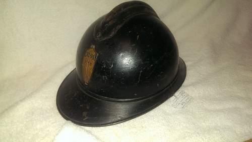 Italian UNPA steel helmet. French or Italian??
