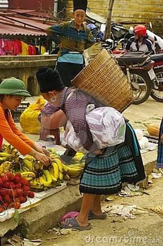 Click image for larger version.  Name:black-hmong-grandmother-market-19473976.jpg Views:56 Size:82.3 KB ID:670035