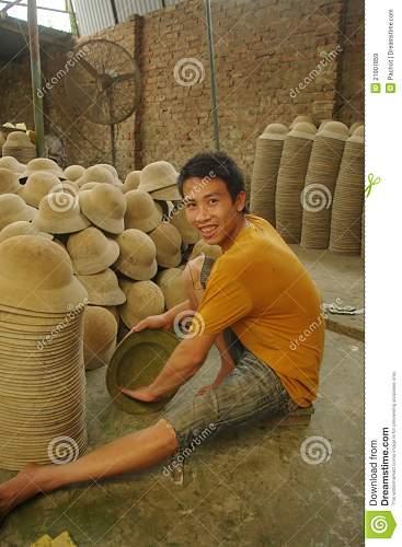 Click image for larger version.  Name:sandpapering-inside-vietnamese-military-helmet-21907859.jpg Views:68 Size:156.5 KB ID:670040