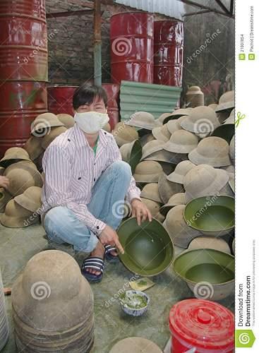 Click image for larger version.  Name:varnishing-military-helmet-21907854.jpg Views:62 Size:164.6 KB ID:670041