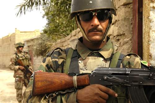 Click image for larger version.  Name:Iraqi-soldier.jpg Views:381 Size:126.2 KB ID:703403