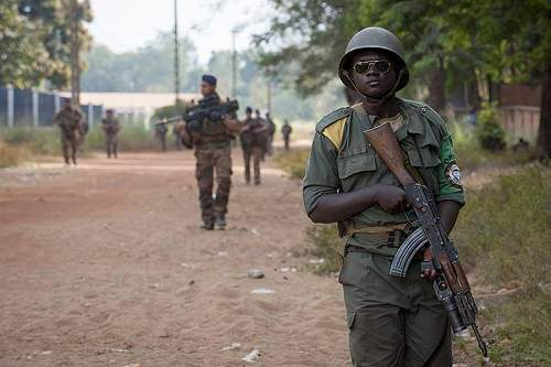 Click image for larger version.  Name:Central-African-Republic-soldier.jpg Views:78 Size:54.3 KB ID:839662