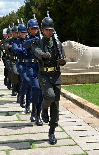 Click image for larger version.  Name:dsc_0770_med_turkish_soldiers.jpg Views:39 Size:56.2 KB ID:883364