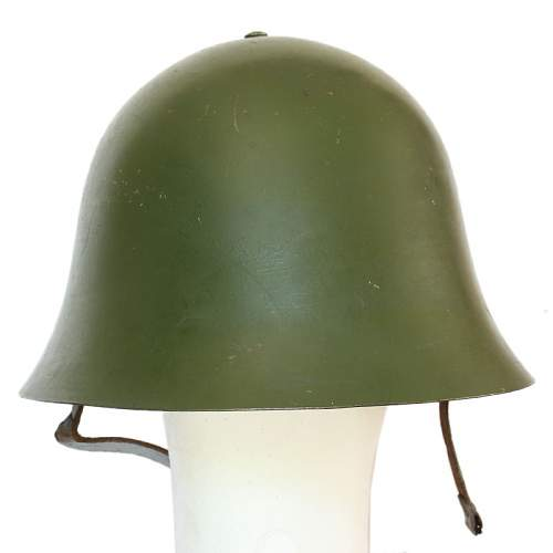 Is this a Portuguese WW2 helmet?