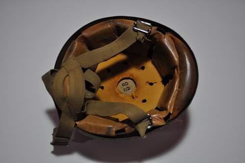 Post War Italian M 42/60 Paratrooper helmet