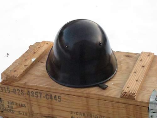 Swiss M18/40 helmet- Unique badge and maker label