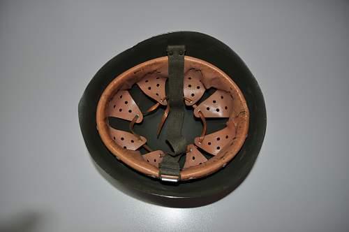Italian M33 helmet-1947-90