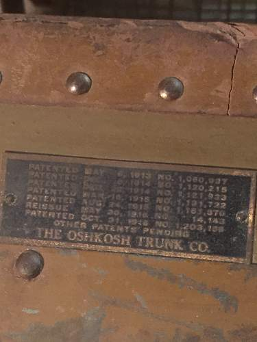 RARE? Oshkosh Inside BAR LOCKING footlocker