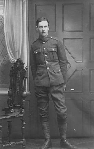 Effect of WW1- 4 portraits of a Tommy, RE.