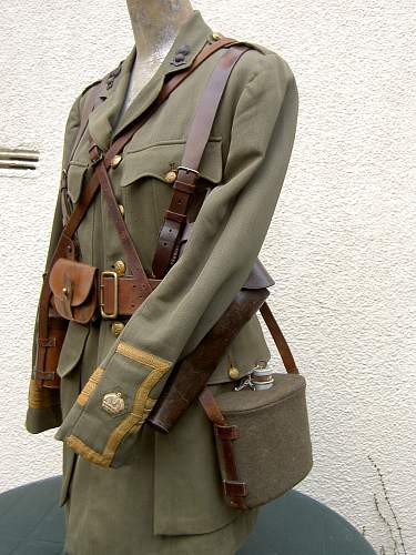 Click image for larger version.  Name:RA Major cuff rank SD Tunic& equipment 002.jpg Views:8480 Size:259.6 KB ID:152051