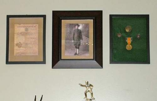 Click image for larger version.  Name:WW1 Display - Grandfather1.jpg Views:255 Size:19.4 KB ID:178939