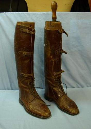 Pair of ww1 british boots