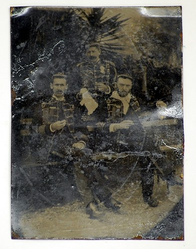 Need help identifying soldiers in tintype