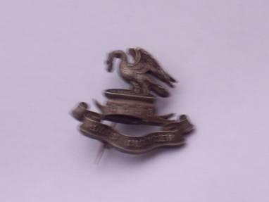 King's liverpool 17/20 batt pals cap badge hm silver