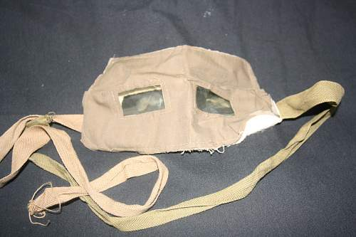 Can anyone help with identification of this British ww1 gas visor / face mask?