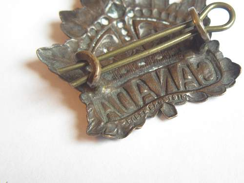 Click image for larger version.  Name:WW1 CANADA Cap badge 003.jpg Views:67 Size:235.4 KB ID:266212