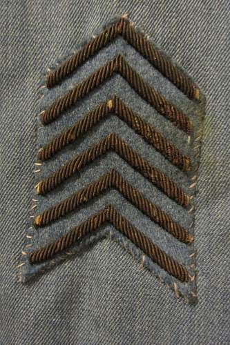 French army 1915 patt horizon blue medical officers tunic , with kepi