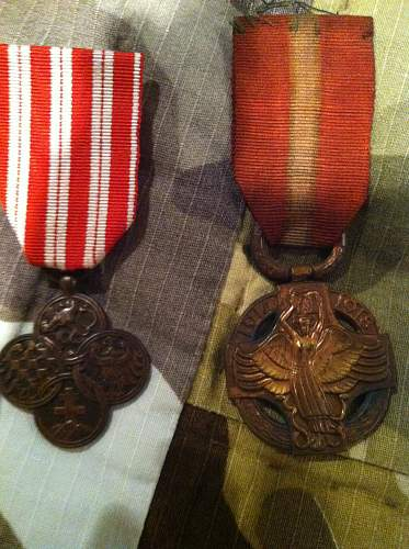 Click image for larger version.  Name:czech medals 001.jpg Views:139 Size:257.9 KB ID:358717