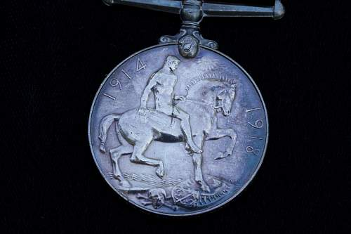 Click image for larger version.  Name:English Medals 204.jpg Views:103 Size:235.9 KB ID:359068