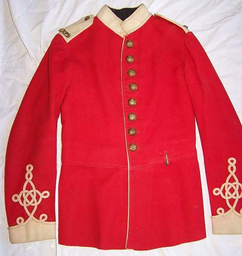 Guards tunic, help identify please!