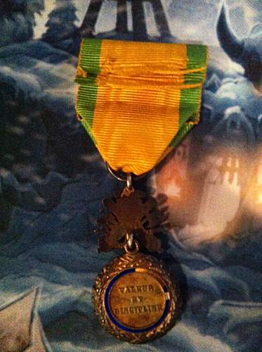 Click image for larger version.  Name:medal militaire 002.jpg Views:66 Size:221.8 KB ID:364516