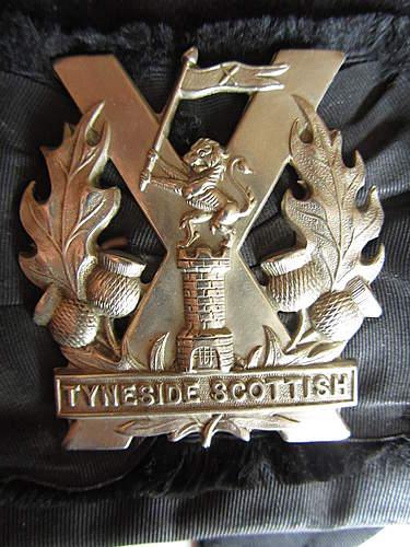 Tyneside Scottish glengarry and badge ... 1915 ?