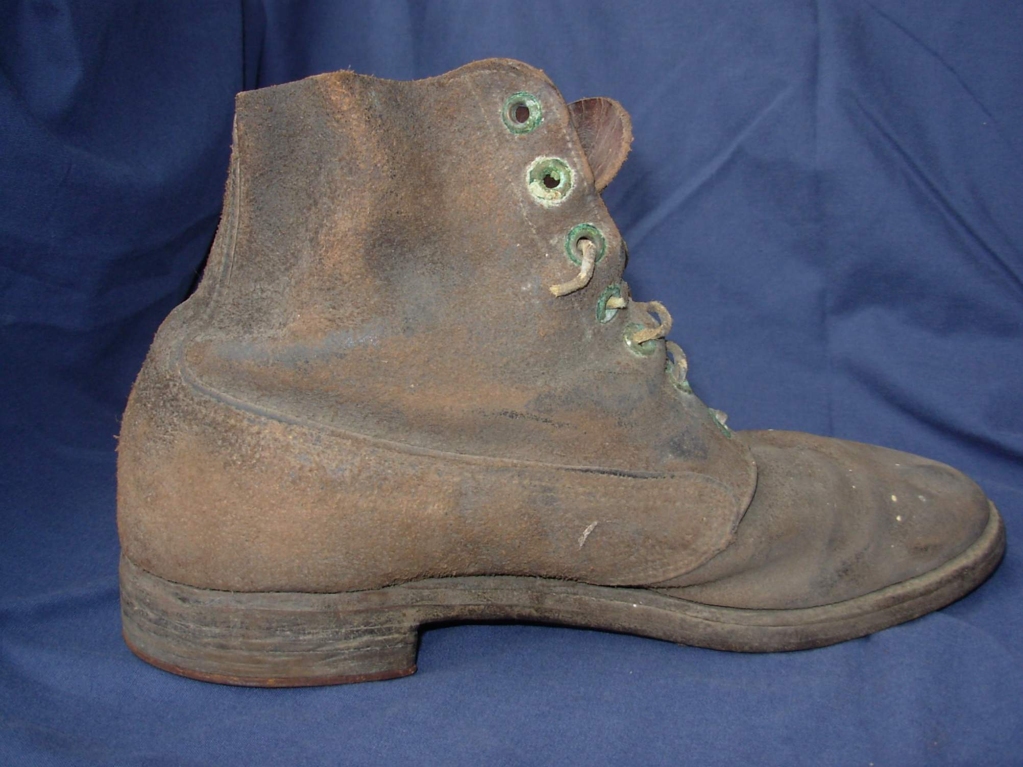 need help u s army hobnailed trench boots