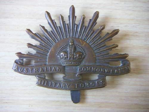 """WW1 Australian """"slider"""" Hat badge"""