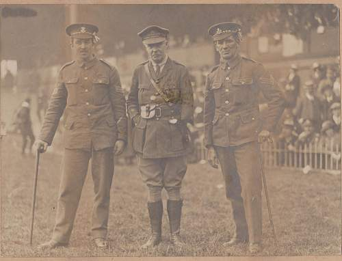 Click image for larger version.  Name:scanned Army picture m.jpg Views:215 Size:233.6 KB ID:515986